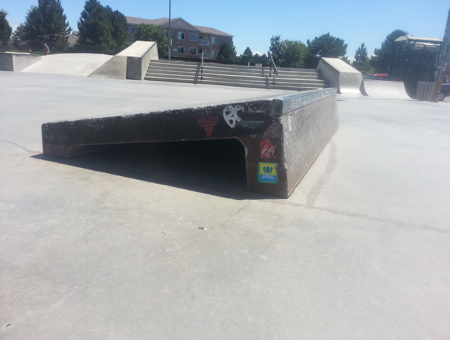 Slanted ledge