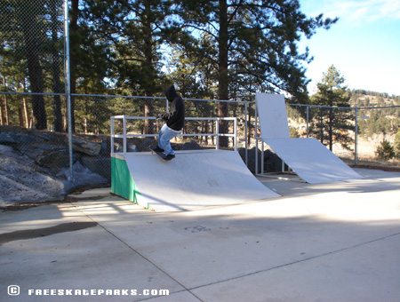 4ft Quarter-Pipe.