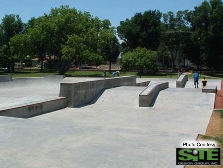 2. Street area with plenty of ledges